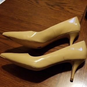 COLE HAAN mustard womens classic pump size 10.5 ,h